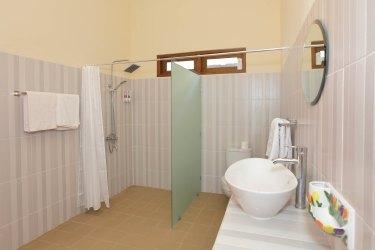 Shower area room 7om